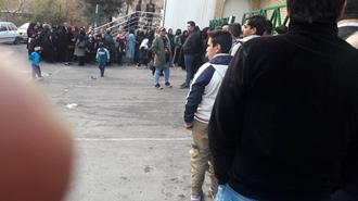 صف مردم برای گوشت یخ زده در رژیم ایران