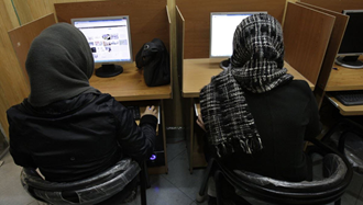 مقابله با سانسور اینترنتی - عکس از آرشیو