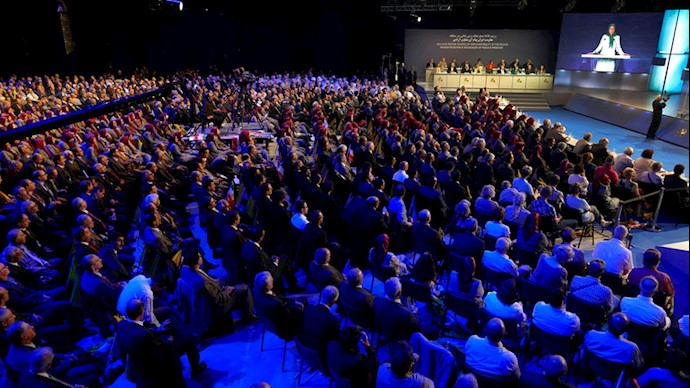 کنفرانس بینالمللی در اشرف ۳