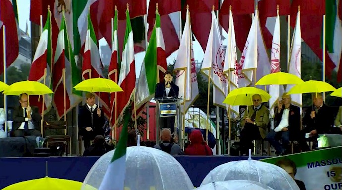 اینگرید بتانکورد - تظاهرات بزرگ در برلین برای ایران آزاد