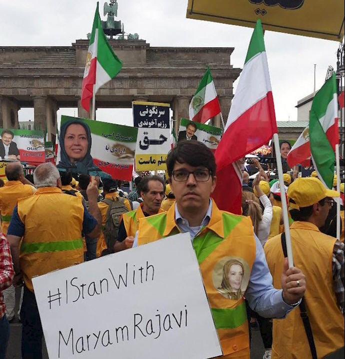 تظاهرات بزرگ در برلین برای ایران آزاد