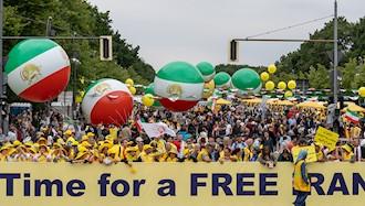 تظاهرات بزرگ ایرانیان در برلین ۲