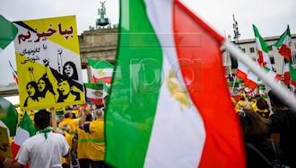 تظاهرات بزرگ ایرانیان در برلین ۱۳