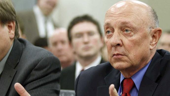جیمز وولسی رئیس پیشین سازمان اطلاعات مرکزی آمریکا
