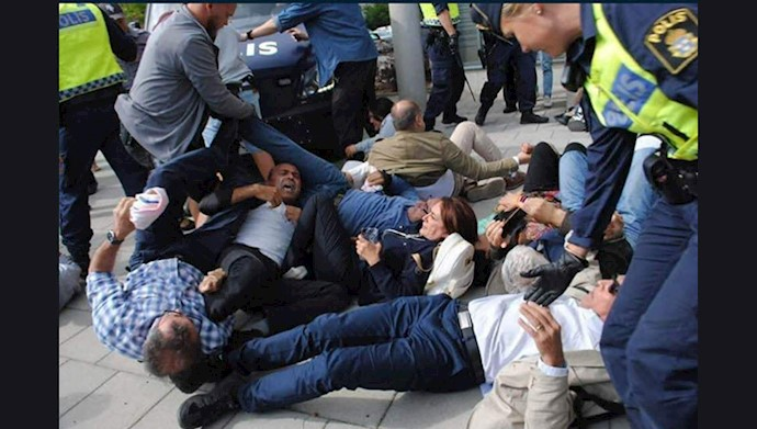 اعتراض هموطنان و یاران اشرف نشان علیه حضور جواد  ظریف در  سوئد