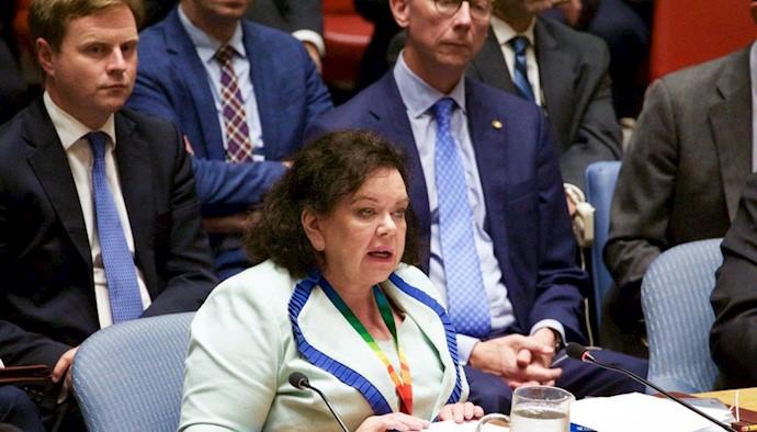 کارن پیرس، نماینده انگلستان در جلسه شورای امنیت