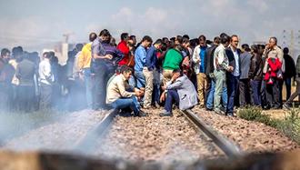 کارگران کارخانه هپکوی اراک برای سومین روز متوالی راهآهن شمال به جنوب را بستند
