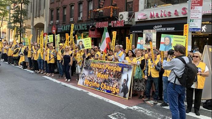 تجمع ایرانیان آزاده علیه حضور آخوند روحانی در نیویورک