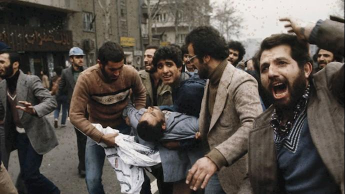 تصاویری از درگیریهای خیابانی در قیام سال ۵۷