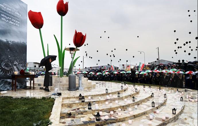 مراسم بزرگداشت جانباختگان سقوط هواپیمای مسافربری اوکراین در اشرف۳