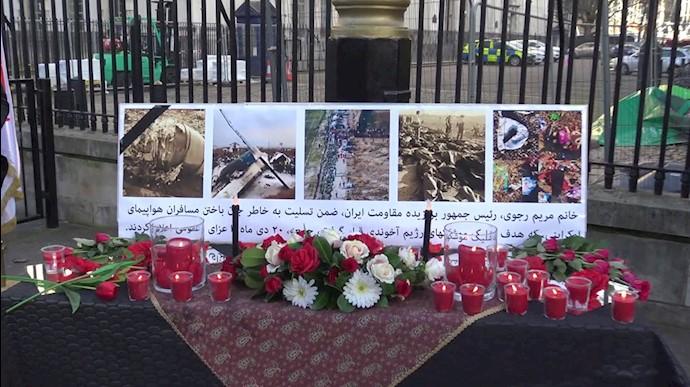 لندن – مقابل دفتر نخستوزیری انگلستان -۲۰دی ۹۸
