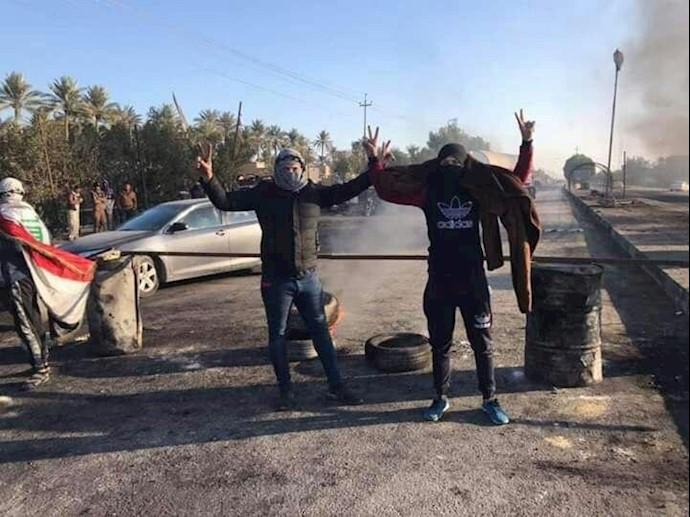 در دیوانیه جوانان منطقه شامیه مسیر بین نجف و دیوانیه را مسدود کردند