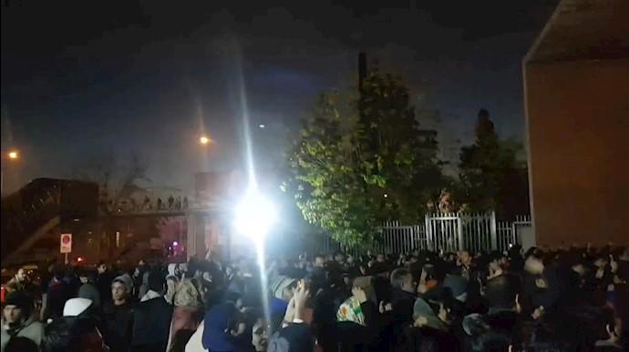 تجمع دانشجویان دانشگاه شریف ۲۱دیماه۹۸ - عکس از آرشیو
