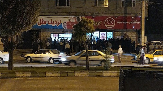 -شاه آبادهجوم مردم برای خرید مواد غذایی