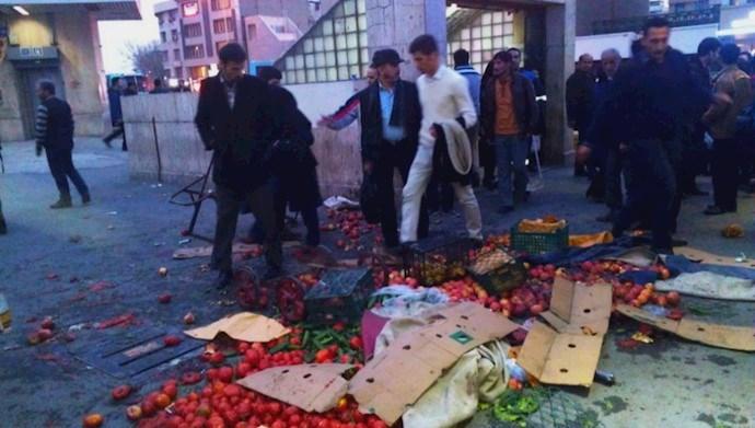 ضربوشتم دستفروشان توسط نیروهای سرکوبگر شهرداری