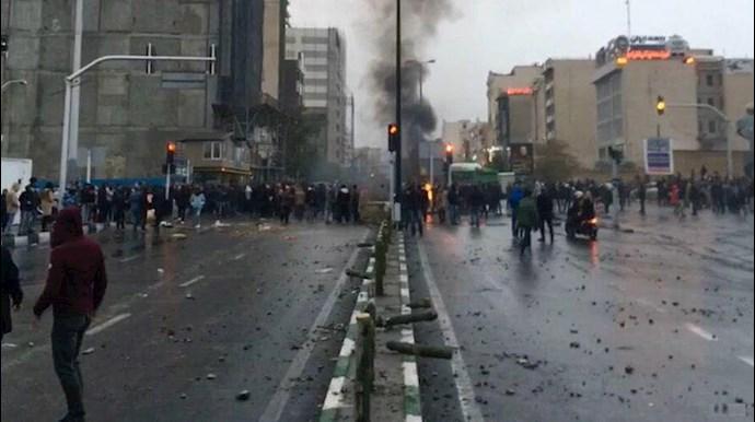 اعتراضات آبانماه