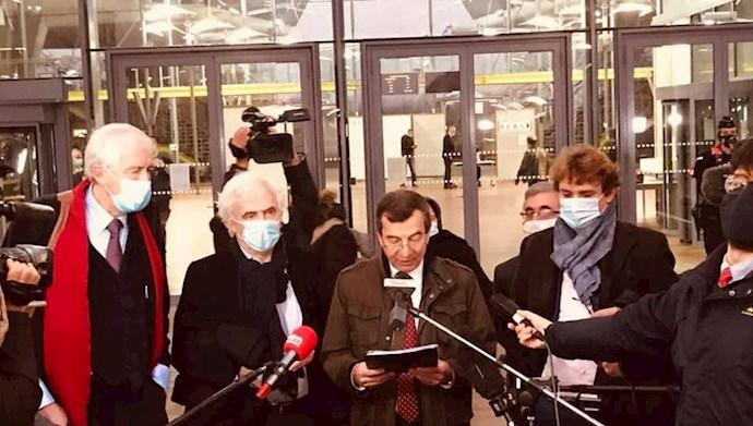 کنفرانس کوتاه مطبوعاتی وکلای شورای ملی مقاومت از محاکمه اسداله اسدی