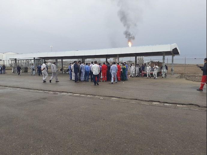 - اعتصاب کارکنان میدان نفتی آزادگان