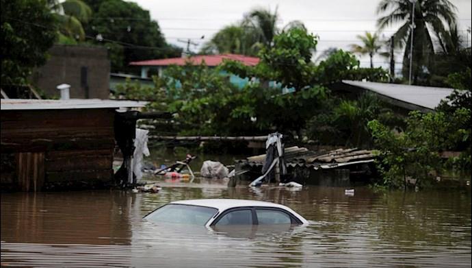 توفان اتا همراه به بارانهای سیل آسا