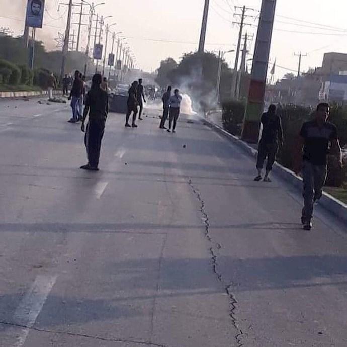 درگیری جوانان اهواز با نیروهای سرکوبگر - 0