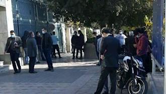 تجمع اعتراضی جمعی از سهامداران مقابل سازمان بورس