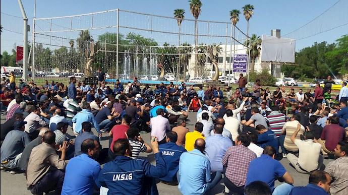 اعتصاب کارگران فولاد در اهواز - عکس از آرشیو