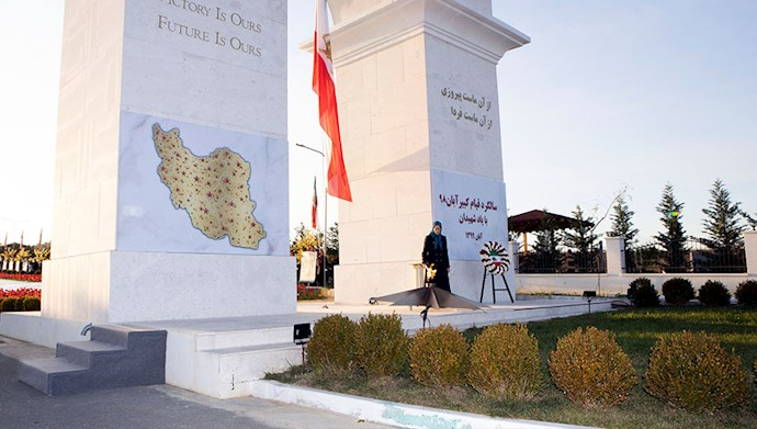 مراسم سالگرد قیام کبیر آبان در اشرف۳ با یاد شهیدان - 4