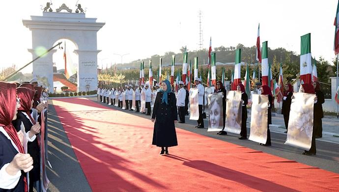 مریم رجوی - سالگرد قیام کبیر آبان در اشرف۳ با یاد شهیدان