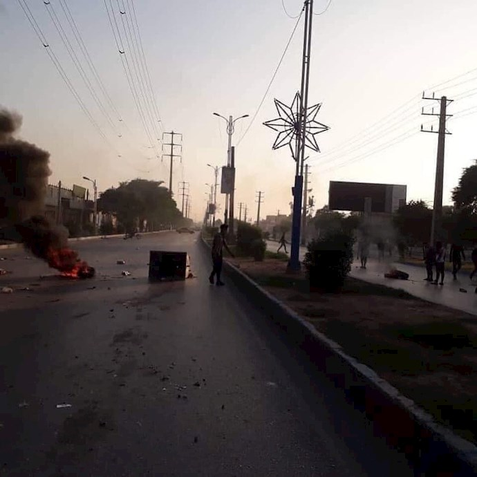 درگیری جوانان اهواز با نیروهای سرکوبگر - 1