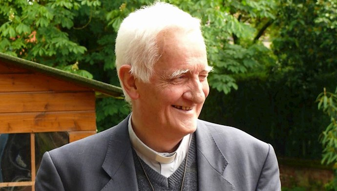 درگذشت پدر آرتور هروه، کشیش شریف فرانسوی، از حامیان مشهور مستمندان و یار دیرین مقاومت ایران