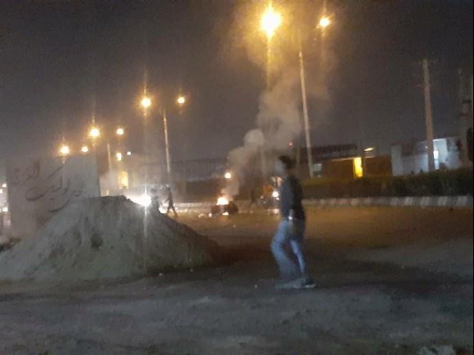 درگیری جوانان اهواز با نیروهای سرکوبگر - 5