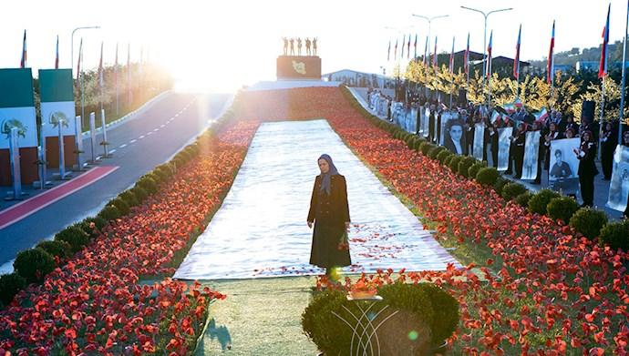 مریم رجوی - مراسم سالگرد قیام کبیر آبان در اشرف۳ با یاد شهیدان