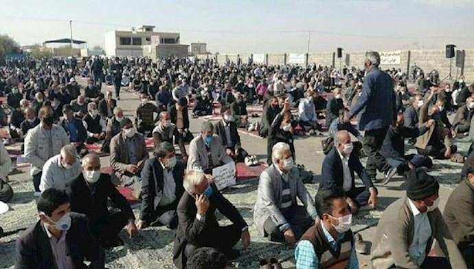 تجمع اعتراضی کشاورزان اصفهان در اعتراض به انتقال آب زاینده رود