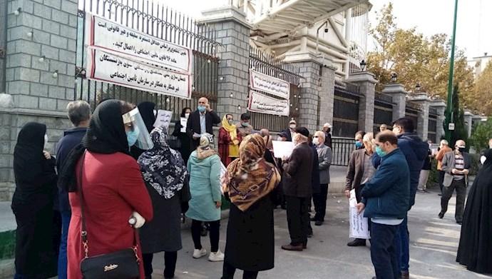 تجمع بازنشستگان تأمین اجتماعی در جلوی مجلس ارتجاع