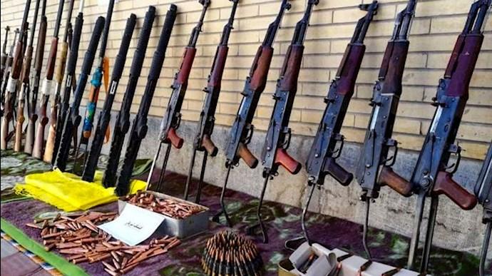 وحشت رژیم از وجود هر نوع سلاح در دست مردم!