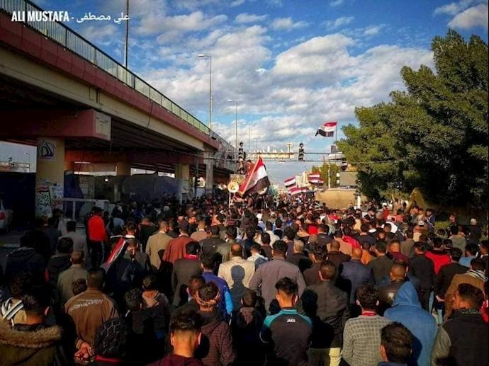 بابل - تظاهرات مردم و تأکید به استمرار تظاهرات برای رسیدن به خواستههایشان