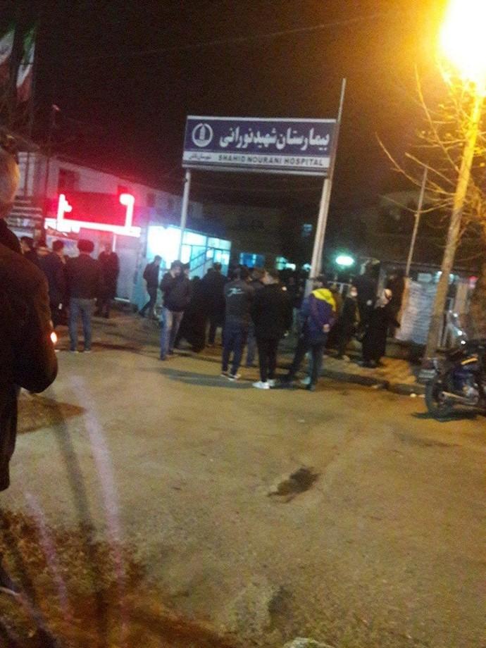 تالش - تجمع اعتراضی مردم مقابل بیمارستان تالش