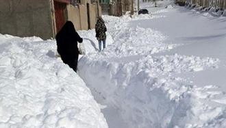 بارش برف در استانهای گیلان و اردبیل و خسارات فراوان به هموطنان