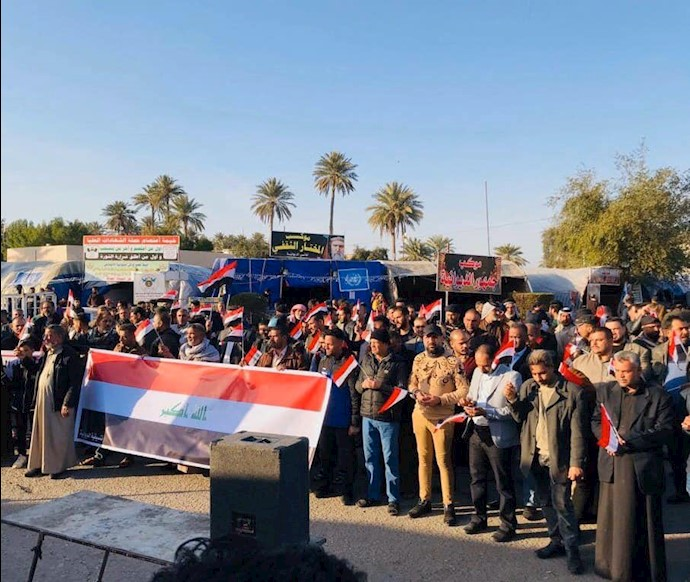 دیوانیه - تظاهرات مردم و تأکید به استمرار تظاهرات برای رسیدن به خواستههایشان
