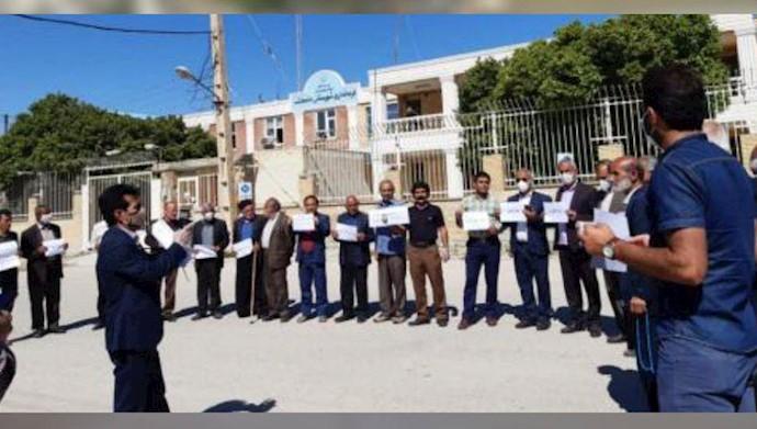 تجمع اعتراضی در مقابل فرمانداریهای رژیم در ایذه و باغملک
