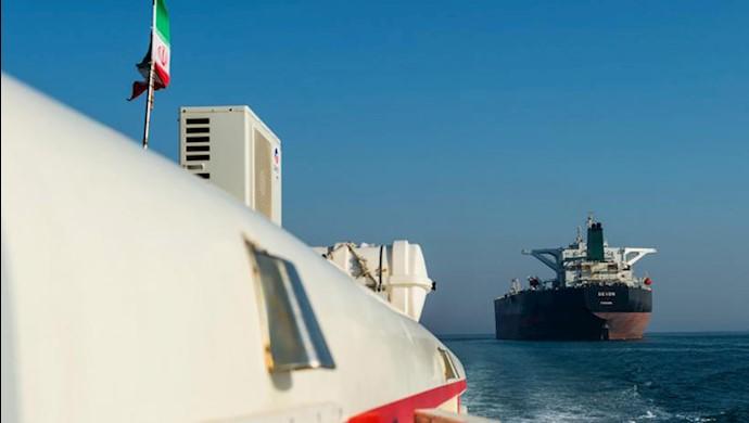 کاهش صادرات نفت رژیم ایران به ۷۰هزار بشکه