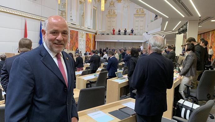 مارتین انگلبرگ عضو پارلمان اتریش