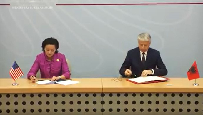 امضاء قرارداد امنیتی بین آمریکا و آلبانی