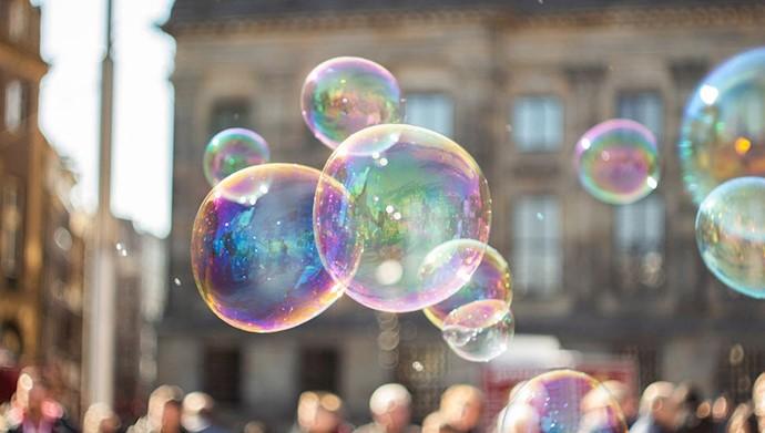 حباب بورس - عکس از آرشیو