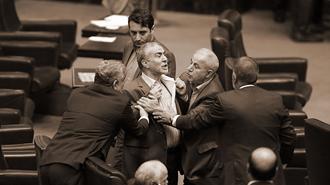 تنش در مجلس ارتجاع - آرشیو