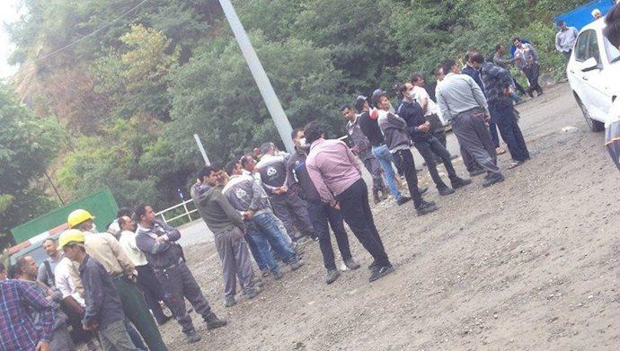 تجمع اعتراضی و اعتصاب کارکنان سد شفارود در استان گیلان