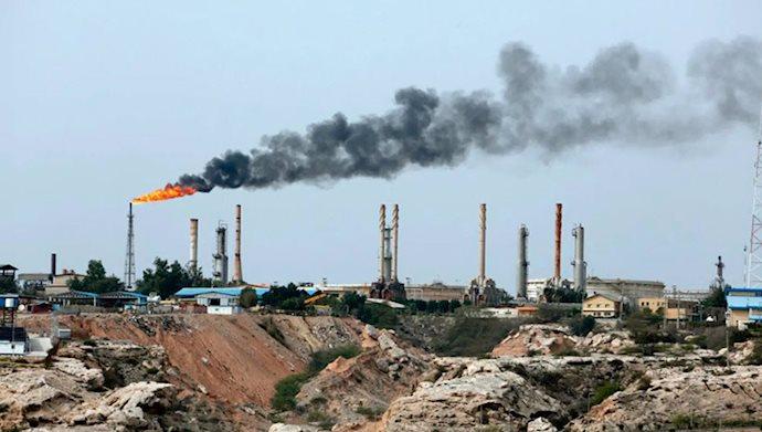 رویترز: ذخایر نفت ایران تقریباً پر شده است