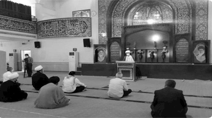 نماز جمعه رژیم - عکس از آرشیو