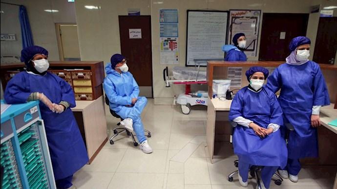 کادر پزشکی خسته زیر فشار کار