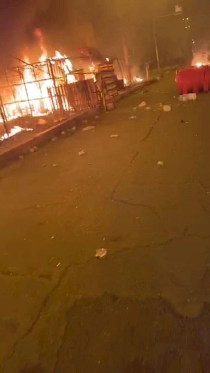 درگیری در عراق،کشته و زخمی شدن تظاهرات کنندگان و آتش زدن چادرهای انقلابیون در میدان تحریر بغداد - 12